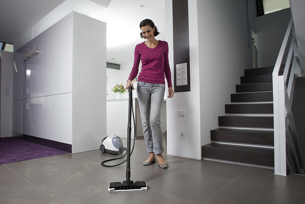30 dakikada evi temizlemenin yolları
