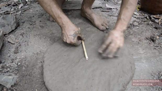 Çılgın adam çamurdan bakın ne yaptı!