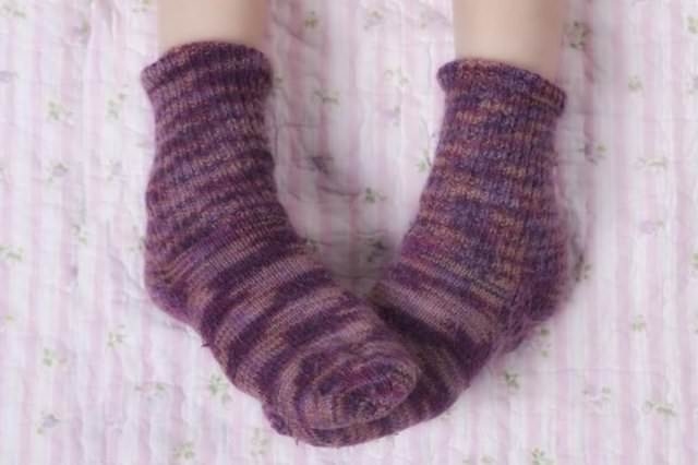 Çorapla uyumak sağlığa zarar veriyor