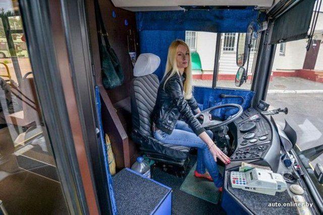 En güzel otobüs şoförüne Türkiyeden rakip çıktı