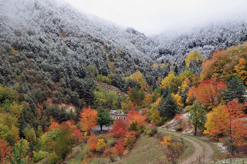 Gümüşhane'de karlı sonbahar