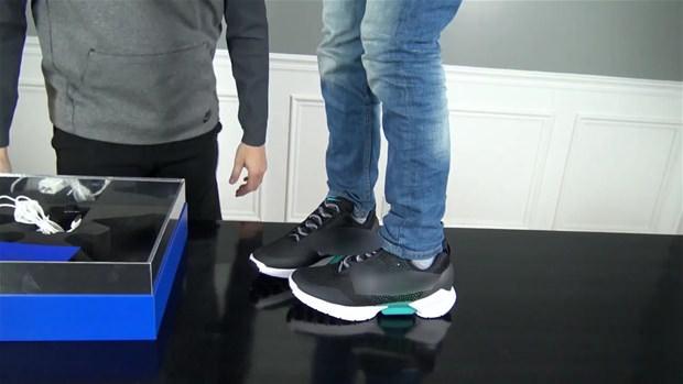 Işıklı ayakkabıdan çıkanlara bakın!