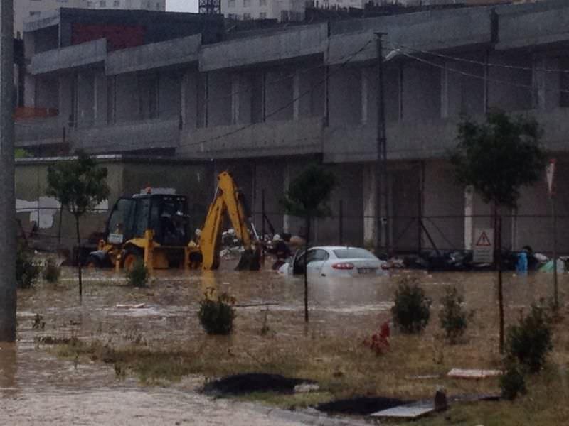 İstanbul sağanak altında