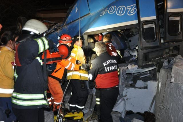 Kayseri'de feci kaza: 9 ölü