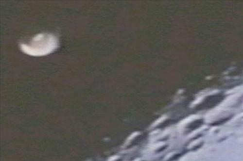NASA'nın Fotoğraflarındaki UFO'lar!