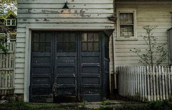 Satın aldığı evin içinden bakın ne çıktı!