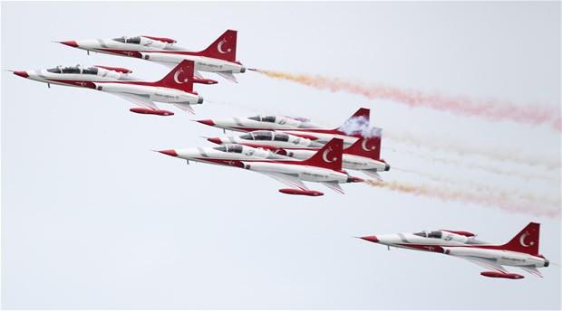 Solo Türk yıldızları nefes kesti