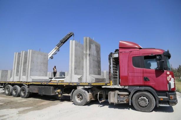 Турция возвела 330-километровую бетонную стену на границе с Сирией и Ираком - Цензор.НЕТ 8862