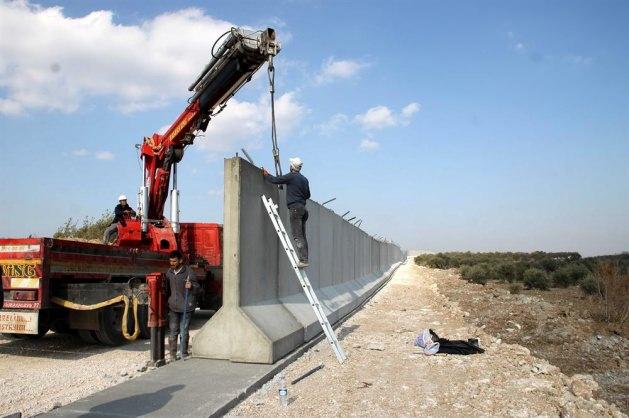 Suriye sınırına beton duvar !