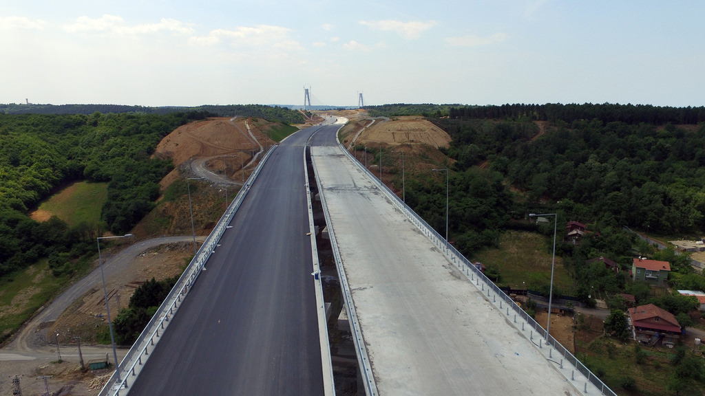 Üçüncü Köprünün bağlantı yolları ivme kazandı