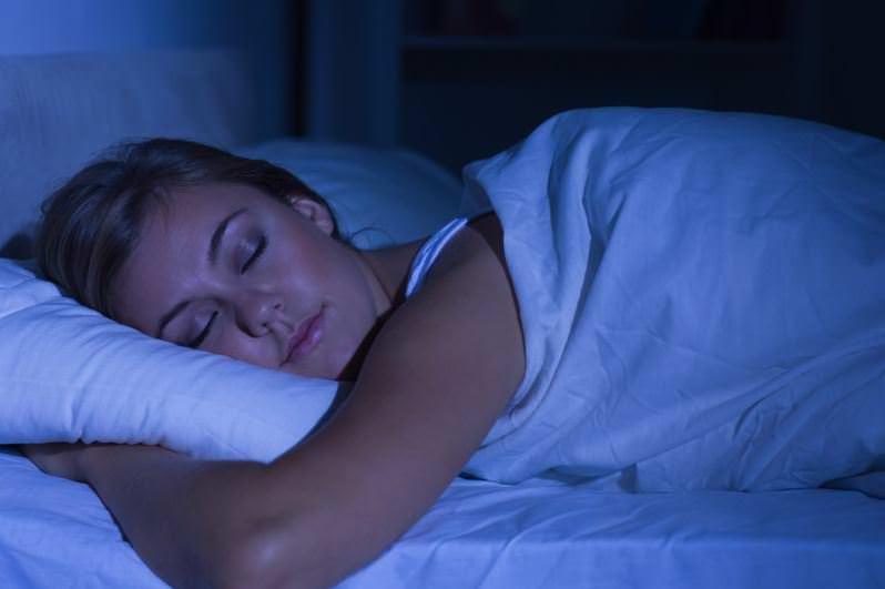 Uyurken birden boşluğa düşme hissi!