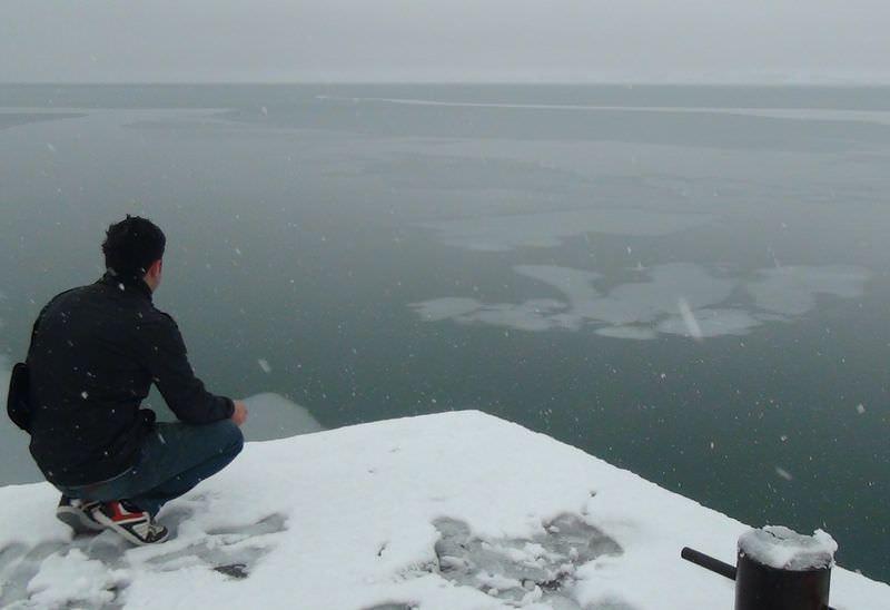 Van Gölü buz tuttu