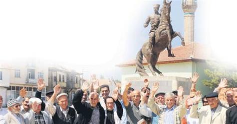 Dumlup�nar K�tahya'ya direniyor