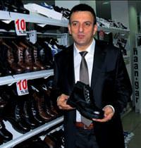 En kaliteli ayakkab� 23 liraya mal olur, hepimizi kand�rd�lar
