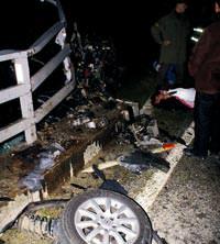 Milas'ta bir aile trafik kazas� kurban� 4 �l�