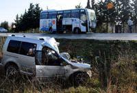 Gelibolu'da trafik kazas�: 3 �l�, 3 yaral�