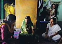 Hindistan N�fus Art���n�n �n�ne Ge�meye �al���yor