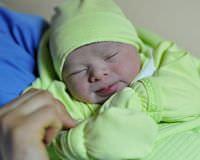 Yeni y�l�n ilk bebekleri