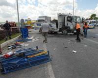 Ankara �ank�r� midib�s ile kamyonet �arp��t� Ankara-�ank�r� karayolu kaza