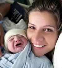 Esra Erol'un bebe�iyle ilk foto�raf�