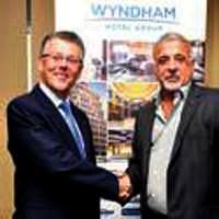 Wyndham zinciri ikinci otelini Kalam��'ta a�t�