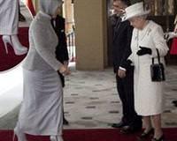 Kraliçenin gözü Gülün ayakkabılarında