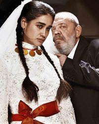 Mahsun Kırmızıgül'den herkesi ağlatan türkü