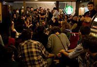 Bo�azi�i ��rencileri Starbucks�� i�gal etti
