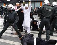 Almanya'da M�sl�manlar� korkutan �at��ma
