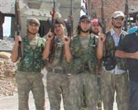 T�rkmen askerler Esad'a kar�� sava�mak i�in yemin etti
