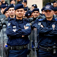 255 bin polise zam umudu