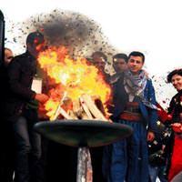 Nevruz ateşi barış için yandı