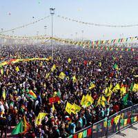 Diyarbak�r Nevruz Nevruz kutlamalar� Nevruz Bayram� K�rt�e haber Abdullah �calan