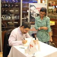 Ahmet �mit'in yeni roman� 'Beyo�lu'nun En G�zel Abisi'