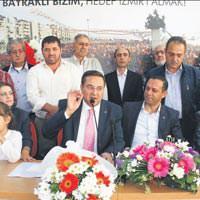 Aday aday� Sar� Bayrakl�'da iddial�