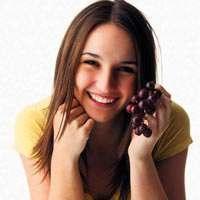 Sağlıklı ve genç kalmanın sırrı üzüm