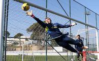 Fenerbahçe kalesi Mert ile emin ellerde