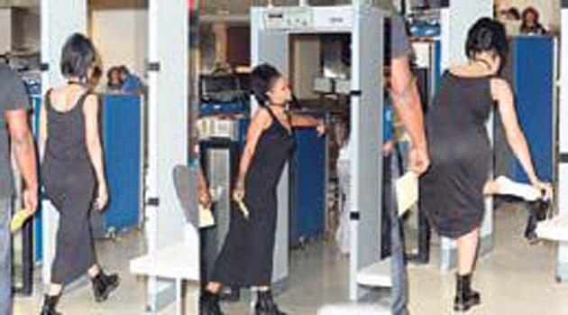 5 kez aranan Rihanna beyaz çorabı gösterdi