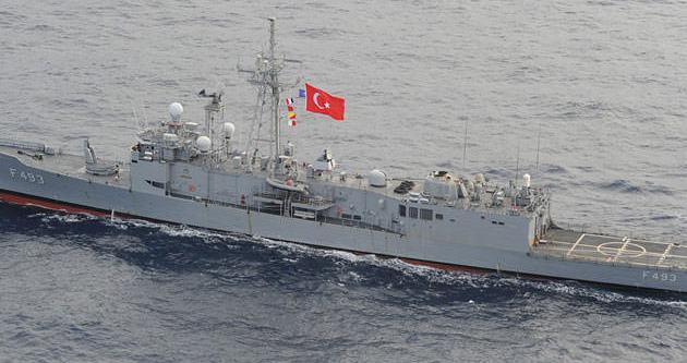 Donanma Rumlara bayrak gösterdi