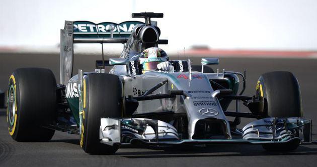 Hamilton 4'te 4 yaptı