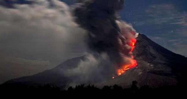 Sinabung Yanardağı yaşamı felç etti