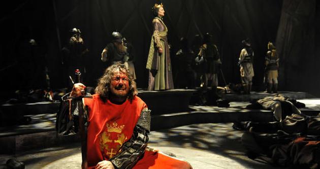 İstanbul Devlet Tiyatroları'nda program değişikliği