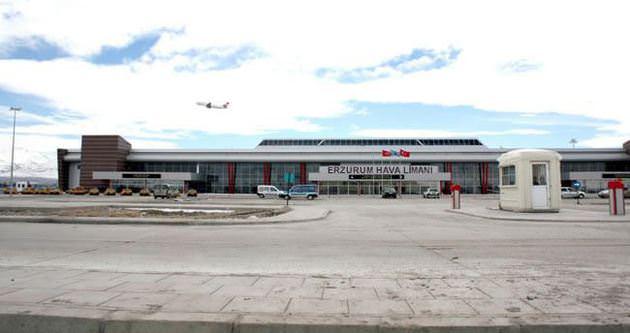 Erzurum Havalimanı'nda uçak pisten çıktı