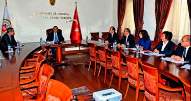 Yeni Vali Türker'e brifing verildi