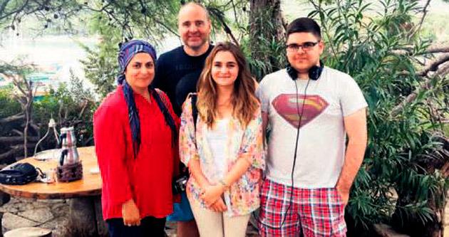 Türk ailenin Kemer aşkı
