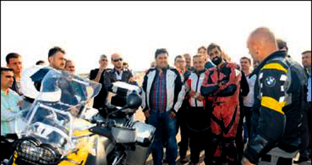 Akhisar'da güvenli motosiklet kursu