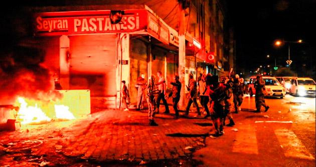 Kobani'den gelip sokağa çıktılar