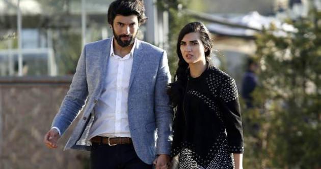 Feryal Gülman: Evimin duvarlarını öpüyorlar