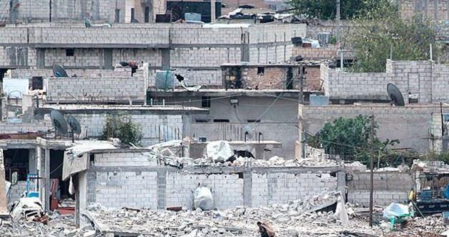 Kobani'nin doğusu harabeye döndü