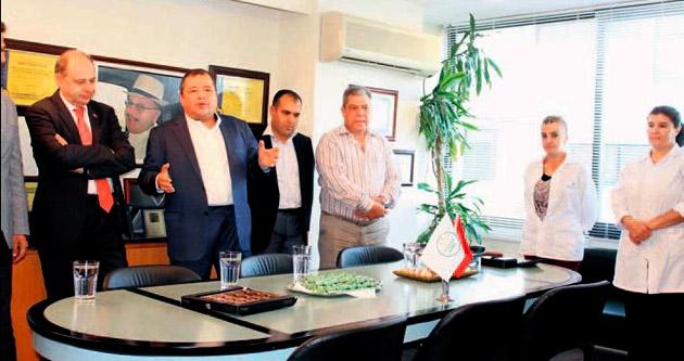 Akça Holding bayrağı zirvede